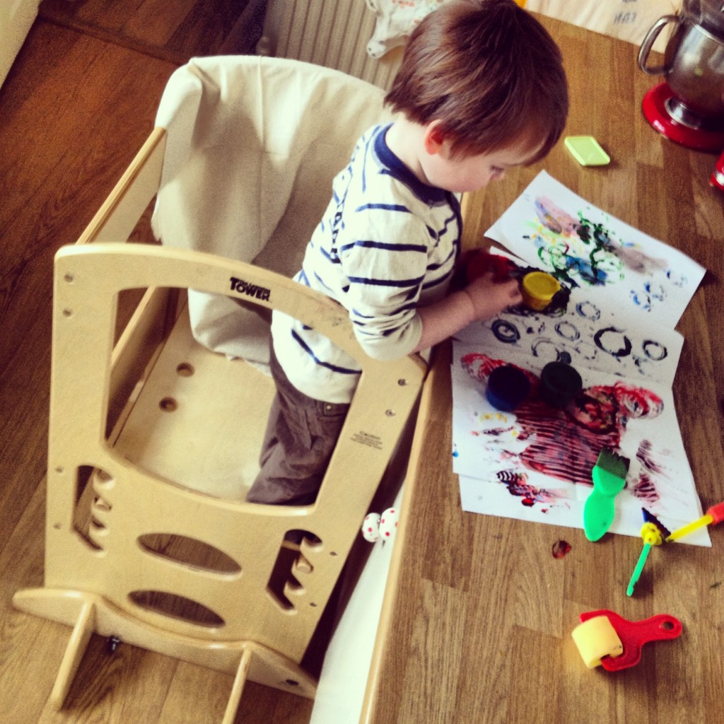 Painting is one of our favourite pass times, the learning tower makes this so easy for Roo to enjoy (and me to clean up!)