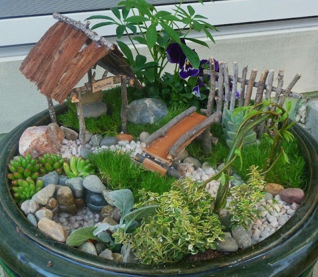 This image was taken from pinterest, I love the design of this little fairy garden, so easy to do and perfect for little ones to interact with nature and enjoy!
