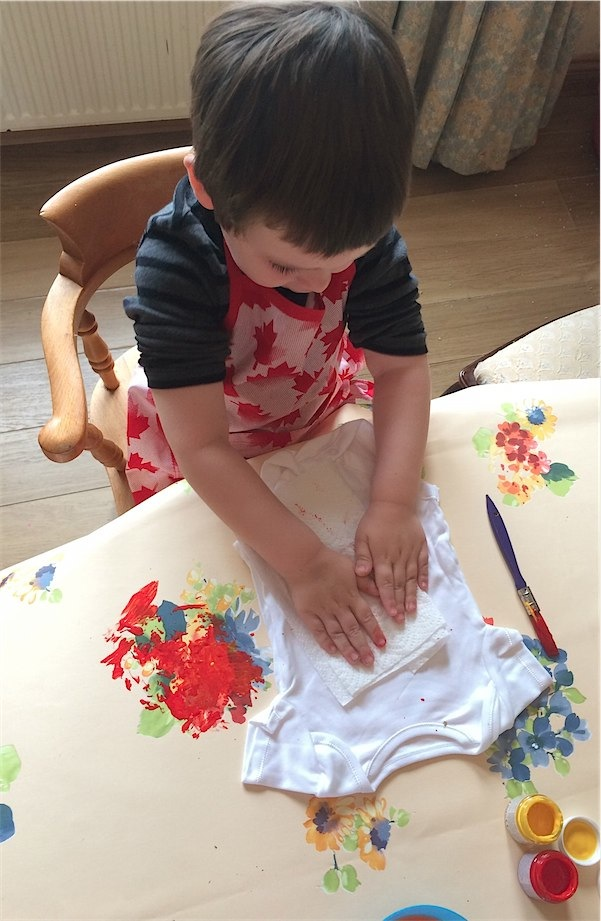 Leaf printing bodysuits via Toby & Roo :: daily inspiration for stylish parents and their kids.