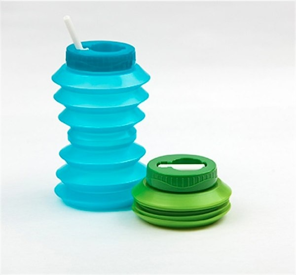 Ohyo water bottle via Toby & Roo :: daily inspiration for stylish parents and their kids.