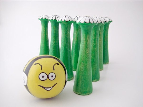 Muddyfeet eco friendly toys via Toby & Roo :: daily inspiration for stylish parents and their kids.
