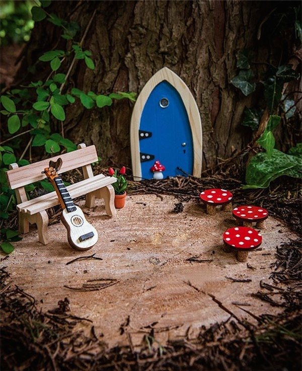 The irish fairy door company a door to imagination for for Irish fairy garden
