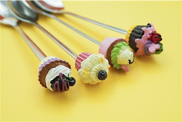 Adorable cupcake cutlery from Lifestyle Ginger via Toby & Roo :: daily inspiration for stylish parents and their kids.