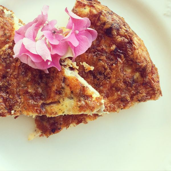 Easy Easter Frittata recipe via Toby & Roo :: daily inspiration for stylish parents and their kids.
