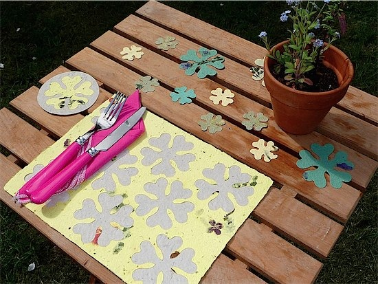 Plantable placemats from Plant a Bloomer via Toby & Roo :: daily inspiration for stylish parents and their kids.