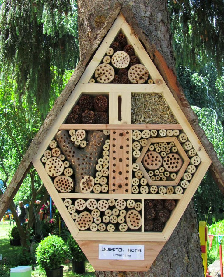 how to build a bug hotel garden activities for curious. Black Bedroom Furniture Sets. Home Design Ideas