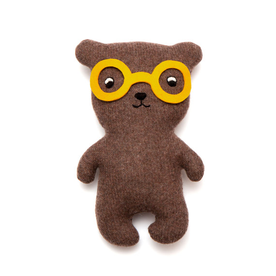Adorable handmade, lambswool toys & accessories from Sara Carr via Toby & Roo :: daily inspiration for stylish parents and their kids.