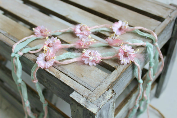 The sweetest headband from Ivy & Nell via Toby & Roo :: daily inspiration for stylish parents and their kids.