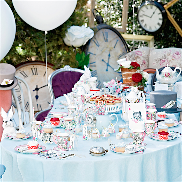 Alice in Wonderland themed tea parties for kids this summer via Toby & Roo :: Daily inspiration for stylish parents and their kids