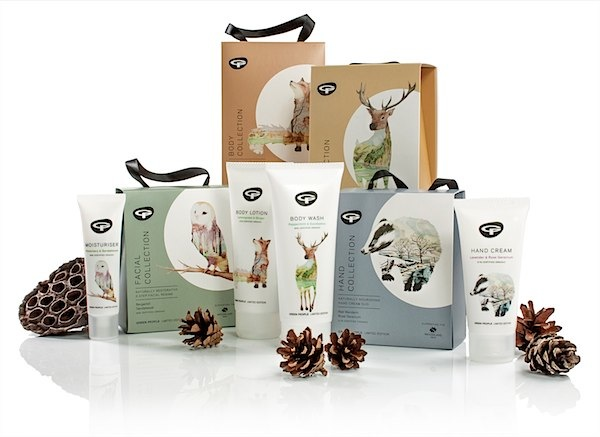 Gorgeous gift sets from Green People via Toby & Roo :: daily inspiration for stylish parents and their kids.