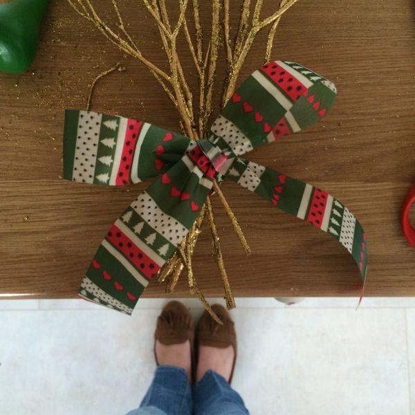 How to make Partridge in a pear tree Christmas door decorations via Toby & Roo :: daily inspiration for stylish parents and their kids.