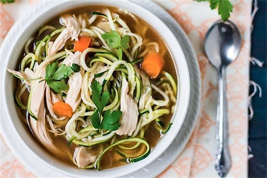 22 Spiralizer recipes for a healthy and delicious alternative to carbs via Toby & Roo :: daily inspiration for stylish parents and their kids.
