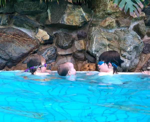 My Water Babies :: Water Confidence :: Why it's so important and how to get it. via Toby & Roo :: daily inspiration for stylish parents and their kids.