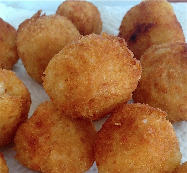 Arancini great food for kids, ideal as finger food. Toby & Roo :: inspiration for stylish parents and their kids.
