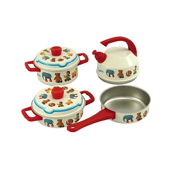 Great kitchen accessories toy from Bass & Bass - perfect and totally gender neutral. This is a great site for finding toys for toddlers!