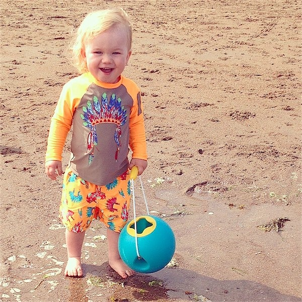 What to take to the beach & what to bring back via Toby & Roo :: daily inspiration from stylish parents and their kids.