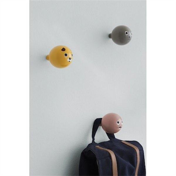 Adorable animal wall hooks via  Toby & Roo :: daily inspiration for stylish parents and their kids.