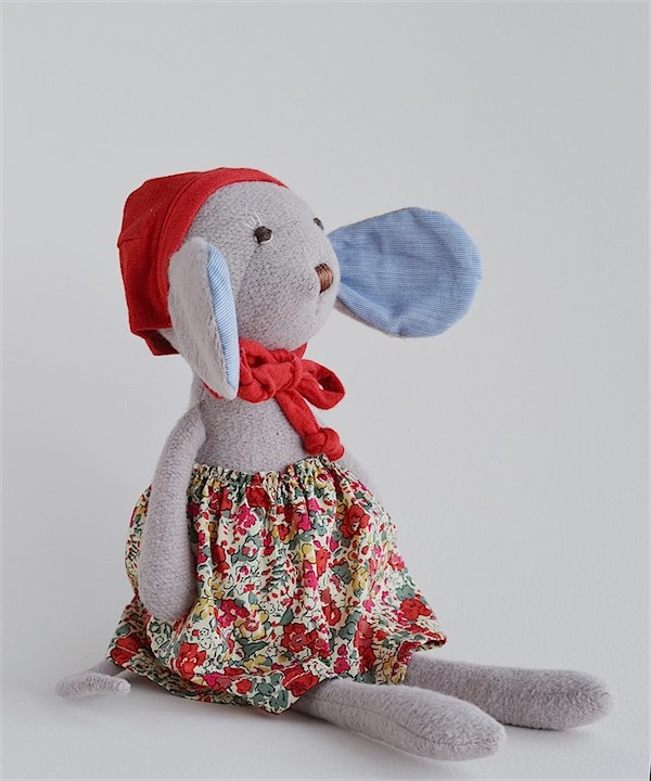 Hazel Village animals via Toby & Roo ;; daily inspiration or stylish parents and their kids.