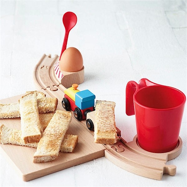 Railway Breakfast set from The Letteroom via Toby & Roo :: daily inspiration for stylish parents and their kids.