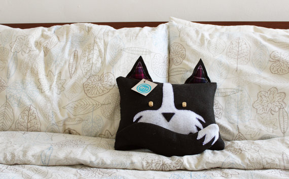 Handmade cushions for kid's rooms from Roxy Makes Things via Toby & Roo :: daily inspiration for stylish parents and their kids.