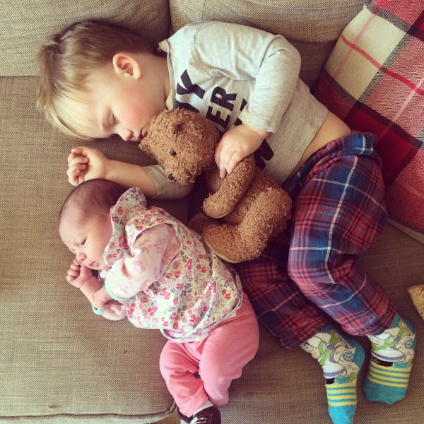 How to introduce a new baby to older siblings via Toby & Roo :: daily inspiration for stylish parents and their kids.