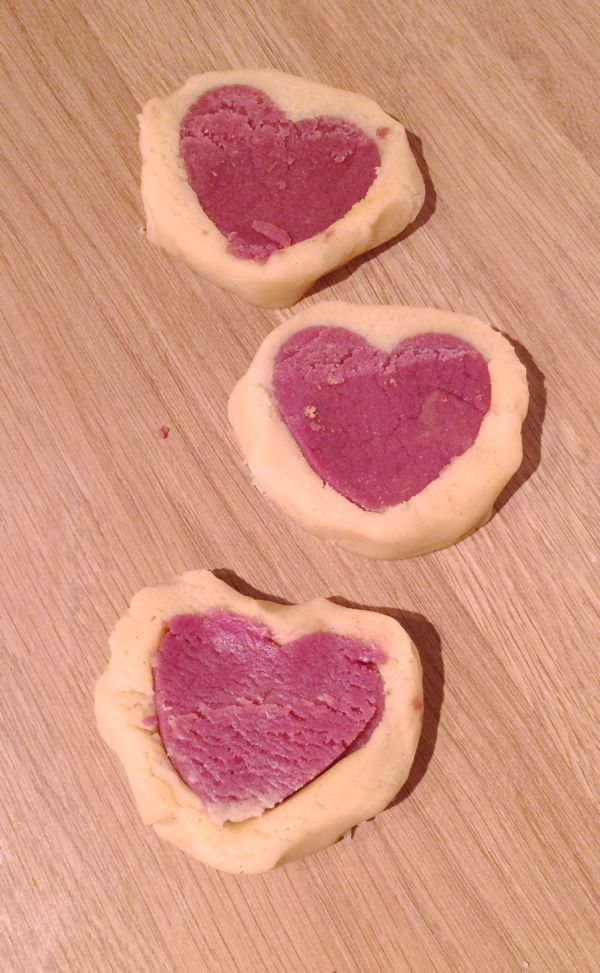 Valentine's Day cookies for the kids to make and enjoy via Toby & Roo :: daily inspiration for stylish parents and their kids.