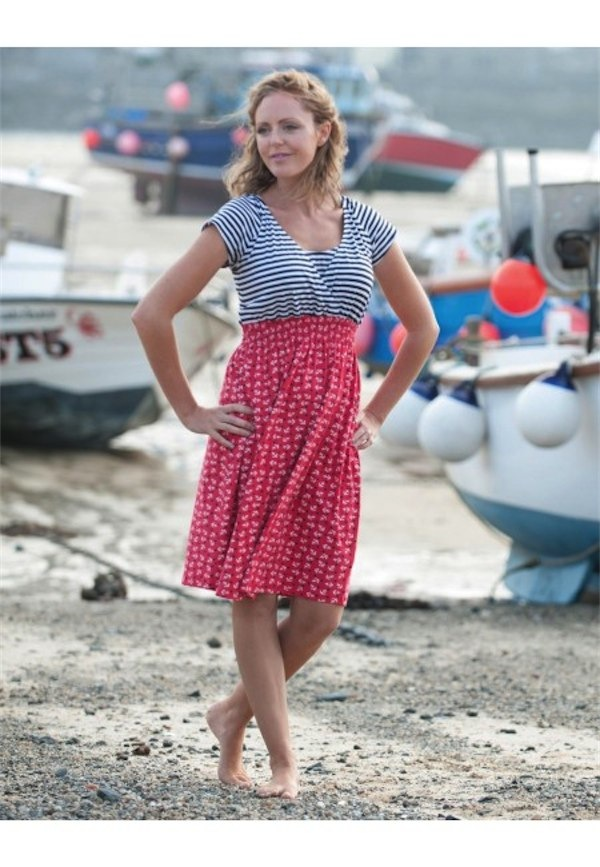 Maternity & nursing clothing from Frugi via Toby & Roo :: daily inspiration for stylish parents and their kids.