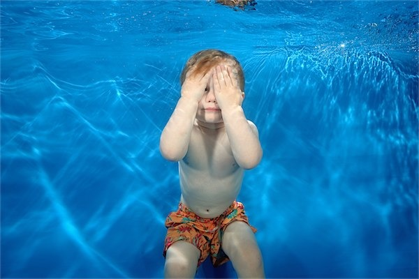How to deal with the water wobbles via Toby & Roo :: daily inspiration for stylish parents and their kids.