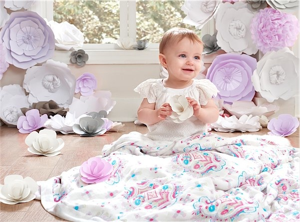 aden + anais dream blankets via Toby & Roo :: daily inspiration for stylish parents and their kids.