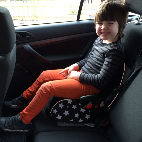 Travel car seats for children :: Boostapak from trunki via Toby & Roo.