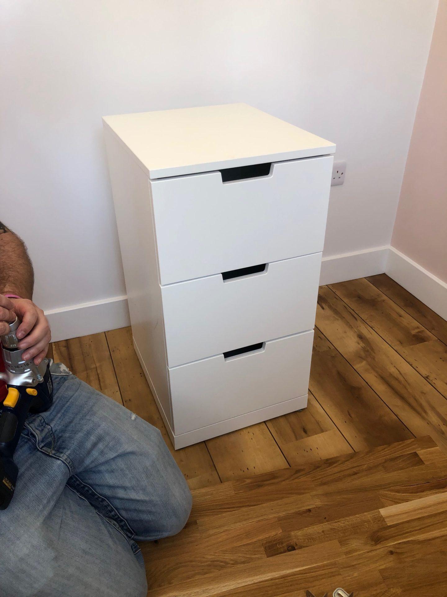 IKEA hack :: The ultimate desk Toby